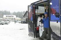Turisté oceňují nový skibus na Sternstein