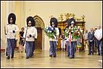 Hrobce pánů z Růže vzdali hold také schwarzenberští granátníci.