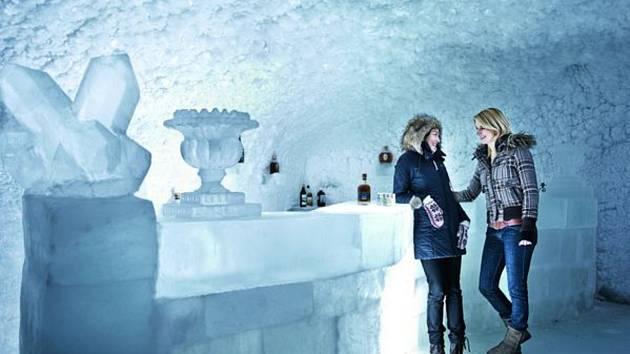 Ledový bar.