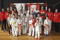 Při turnaji mládeže Jihočeského svazu karate JKA v krajské metropoli hájila barvy českokrumlovského Shotokan karate klubu početná výprava nadějí a členů doprovodu.