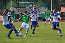 Ondrášovka KP muži – 6. kolo: FK Slavoj Český Krumlov (zelené dresy) – TJ Hluboká nad Vltavou 2:0 (2:0).