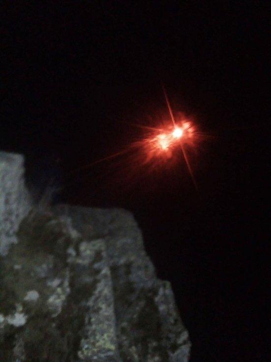 V Malšíně světlici vypustili od poutní kaple Panny Marie Pomocné na Tumbergu.