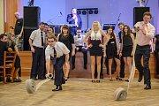 Hasiči se v Holubově na plese výborně bavili. Netřebiční postoupili do finále na úkor týmu z Třísova, ovšem boj to byl, rozhodovaly centimetry.
