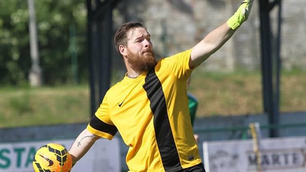 Jedinou světlou postavou v rozháraném souboru krumlovského Slavoje při utkání v Sedlčanech byl gólman Michal Trnka, který hosty uchránil od většího debaklu.