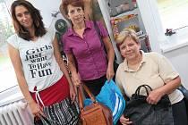Kabelky je možné do 31. srpna donést například do salonu Iris v Kaplici.