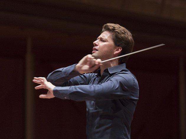 Julian Rachlin vystoupí v pátek s violistkou Sarah McElravy