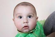 Roman Ferenc se narodil 29. srpna 2014 v10:43, měřil 49 centimetrů a vážil 2975 gramů. Prvorozený potomek větřínských Nikoly Ferencové a Lukáše Vikára přišel po několika měsících na návštěvu do porodnice. U porodu asistoval jak tatínek, tak i babička.