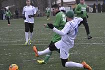 S chutí hrající Ruslan Žilenko (v této chvíli i přes snahu rudolfovského Tyrpáka zvyšuje na 2:0) si vysloužil pochvalu trenéra.
