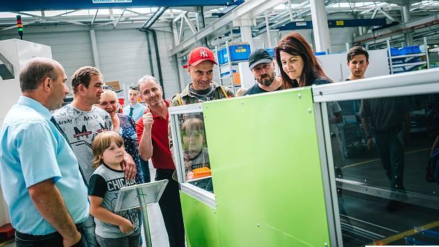 Rozšířený výrobní závod společnosti ENGEL v Kaplici si v sobotu prohlédlo na šest tisíc lidí.