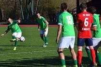 KP – 22. kolo: FK Slavoj Český Krumlov (zelené dresy) – SK Siko Čimelice 1:1 (1:0).