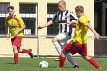 I.A dorostu – 21. kolo: Sokol Kamenný Újezd / FC Velešín (žlutočervené dresy) – FK Spartak Kaplice / FK Dynamo Vyšší Brod 2:4 (1:2).