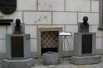 Busty T. G. Masaryka a Edvarda Beneše procestovaly Evropu několikrát křížem krážem.