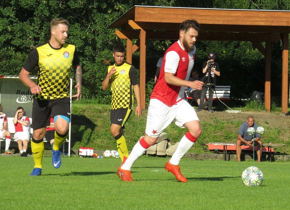 Fotbalisté Kaplice v závěrečném kole turnaje sedmi týmů prohráli na půdě budějovické Slavie 0:4. Foto: Libor Granec