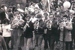 Dějiny Dechového orchestru se píšou od r. 1966, kdy ho založil Bohuš Staněk, českokrumlovský učitel hry na lesní roh.