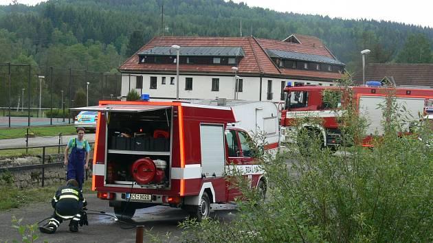 U Herbertova na Vyšebrodsku dnes zemřeli dva vodáci.