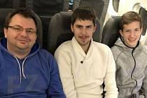 Jaromír Janáček s Tomášem Švejdou (a trenérem Radkem Votavou) na Mezinárodním mistrovství Estonska v Tallinnu.