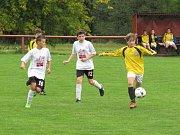 Oblastní I.A třída starších žáků (skupina A) - 3. kolo: FK Spartak Kaplice (žluté dresy) - TJ Centropen Dačice + Třebětice 15:0 (7:0).