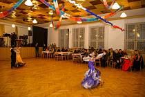 Společenský sál ve Zlaté podkově ve Velešíně.