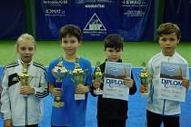 Medailisté historicky prvního klubového šampionátu krumlovského LTC v kategorii babytenis  – (zleva):  třetí Nela Zemková, vítěz a mistr LTC pro rok 2017 Matěj Faktor, druhý bronzový Jiří Shrbený a stříbrný Robin Niedl.