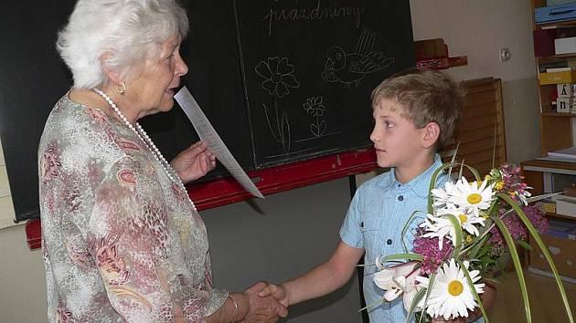 Předávání vysvědčení v Základní škole Dolní Třebonín bylo slavnostní.