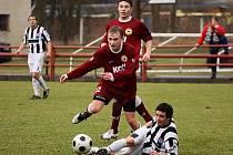 Fotbalové utkání krajského přeboru mužů / FK Spartak Kaplice - FC Písek B 3:2 (2:1).