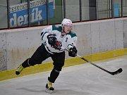 KL muži – 16. kolo: HC Slavoj Český Krumlov (bílé dresy) – OLH Spartak Soběslav 9:6 (3:0, 3:1, 3:5).