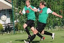 O gólový obrat se přesnými hlavičkami postarali hornoplánští střelci Jan Grmela a Vojtěch Ryneš (zleva).