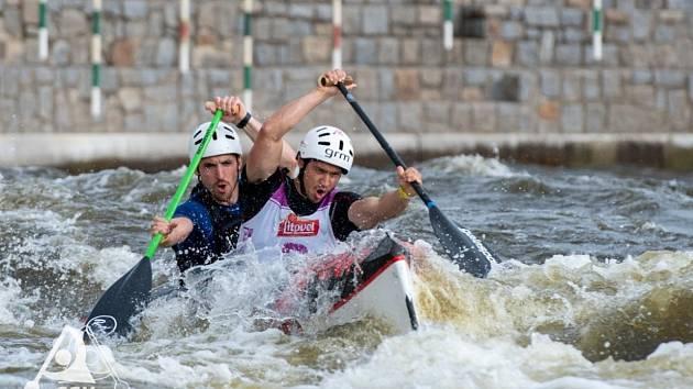 Závodníci českokrumlovského SK Vltava si s nástrahami kanálu v Roudnici poradili velmi dobře, o čemž svědčí řada vybojovaných medailí.
