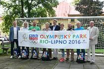 Zastupitelé lipenských obcí, Českého olympijského výboru i České unie sportu.