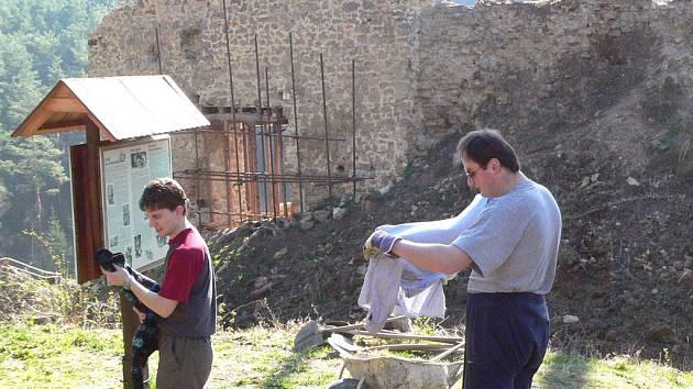 Na hradě Pořešín je stále co dělat.