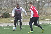 Hlubocká zimní liga – 1. kolo: Spartak Kaplice (bíločerné dresy) – 1. FC Netolice 0:1 (0:1).