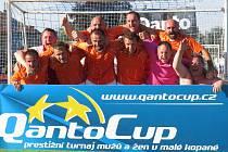 Paroh team Kaplice při turnaji veteránů ve Svitavách startoval již počtvrté, vždy se dostal mezi nejlepší čtyři a podruhé v řadě triumfoval.