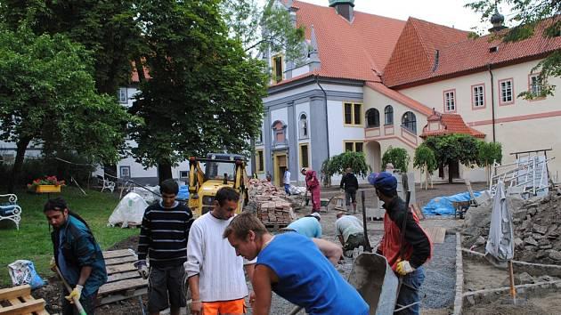 Klášterní zahrada v Českém Krumlově otevře své brány veřejnosti 4. září.