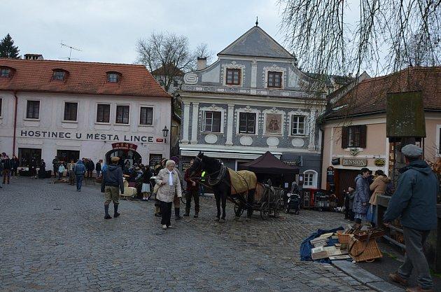 Film je natáčen u Benešova mostu.
