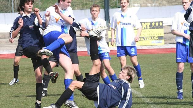 Českokrumlovští mladíci potvrdili úlohu favorita a přivezli z Hradiště všechny body.