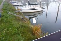 V sobotu po ránu přijali policisté obvodního oddělení Horní Planá oznámení o nálezu utonulého muže v Yacht clubu Černá v Pošumaví.
