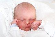 Šestiletý Dáňa a téměř dvouletá Natálka se 21. srpna 2015 v7:40 dočkali dalšího sourozence. Martin Turoň se narodil smírami 49 cm a 2555 g Zdeňce Staškové a Josefu Turoňovi ze Zlaté Koruny. U porodu asistovala maminky švagrová Martina.