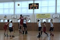 Úvodní rozskok nového ročníku jihočeské basketbalové ligy sice vyhráli českobudějovičtí Tygři, vítězství však nakonec zůstalo v Kaplici.