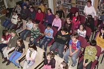 Povídání o krtkově cestě do vesmíru v českokrumlovské knihovně.