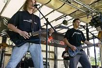 Jednou z vystupujících kapel byli i divocí Arcona, které ale ještě mnozí návštěvníci prospali po náročném prvním festivalovém dni.