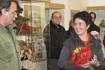 Výstavu panenek, medvídků, ale i jesliček a betlémů včera otevřelo Regionální muzeum v Českém Krumlově. Na vernisáži nechyběla majitelka části sbírky z Ulrichsbergu Maria Neumüllerová.