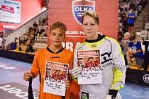 Malontští Vlci se na prestižním turnaji Prague Games radovali ze skvělého druhého místa a úspěch týmu podtrhlo ocenění Matěje Faltuse (na snímku vlevo) za nejlepšího hráče kategorie B12.