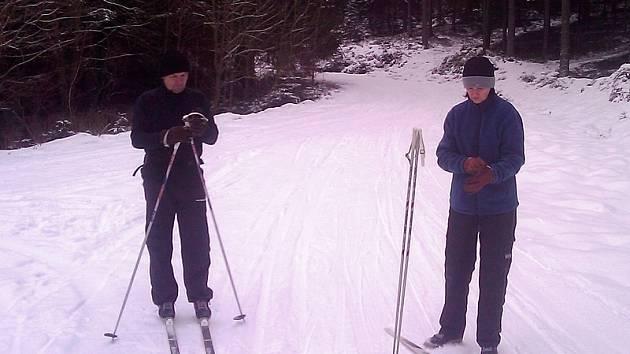 Kolem lipenského skiareálu už se dá jezdit na běžkách.