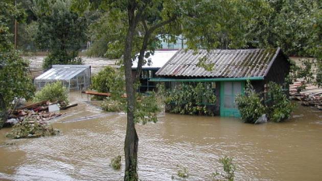 Chatky v zátopové oblasti Malše utrpěly silnou povodňovou vlnu.