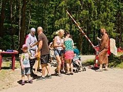 Ve Vyšším Brodě děti zažily dětský den v podobě středověké osady.