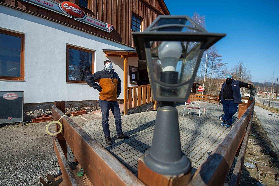 V hotelu České Žleby a hotelu Marlin v Nové Peci využili nuceného uzavření a pustili se do dlouho plánované rekonstrukce.