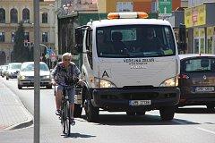 Obyvatelé Palackého ulice v Přerově sepsali petici, ve které žádají město, aby byla silnice znovu jednosměrná. Důvodem není jen zvýšená prašnost a hlučnost, ale také problémy při přecházení cesty.