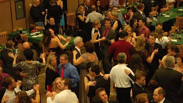 Myslivecký ples v Kokorách