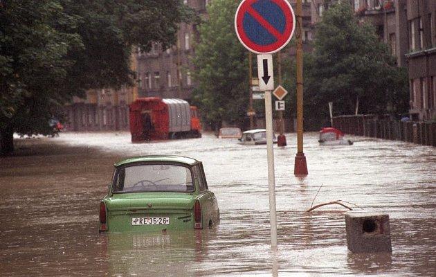 Nábřeží Edvarda Beneše vPřerově včervenci 1997