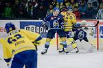 Hokejisté Přerova (ve žlutém) doma zdemolovali Kladno 6:2.